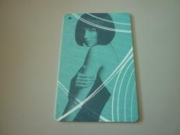 Le Meridien International Hotel Room Key Card (woman Femme) - Cartes D'hotel