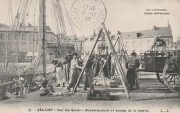 76 Fecamp. Dechargement Et Pesage De La Morue - Fécamp