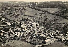 - Puy De Dôme -ref-A397- Ravel - Vue Generale Aerienne Sur Le Village Et Le Chateau - Chateaux - Carte Bon Etat - - Autres Communes