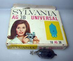 SYLVANIA AG 3B UNIVERSAL 7 FLASH VINTAGE - Supplies And Equipment