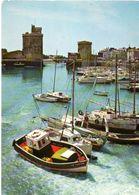 La Rochelle Tres Joli Contre Jour Sur Le Port CPM Ou CPSM - La Rochelle