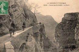 9560. LE VERCORS PITTORESQUE. ROUTE DES ECOUGES. LE RAVIN - Vercors