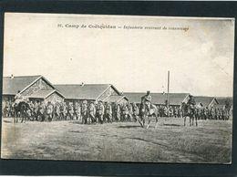 CPA - CAMP DE COETQUIDAN - Infanterie Rentrant De Manoeuvres, Très Animé - Casernes
