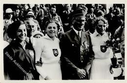 Hitler WK II Olympia 1936 Mit Den 3 Siegerinnen Im Speerwurf Foto AK I-II - Weltkrieg 1939-45