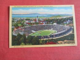 Memorial Stadium University Of California  Berkley       Ref 3049 - Postcards