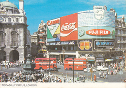 LONDON / LONDRA - Piccadilly Circus - Bus - Canon / Coca Cola / Philips / Fuji Film / Sanyo / JVC - 1985 - Piccadilly Circus