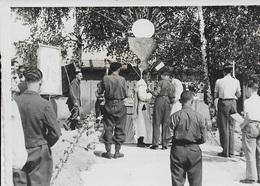 Photo Originale Stalag XIII A. Chapelle Notre Dame De Lagerville. Messe Et Procession. Calice - Guerre, Militaire