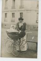 PHOTOS - METIERS - NOURRICES - DOMESTIQUES - BONNES - Belle Carte Photo Femme Avec Fillette Dans Landau Début Du XXème - Photos