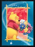 Winnie L'ourson T'offre Un Bouquet De Fleurs - Disneyland