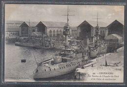 Carte Postale 50. Cherbourg Le Chantier  Naval Et Les Navires De Guerre De L'escadre Du Nord  Très Beau Plan - Cherbourg
