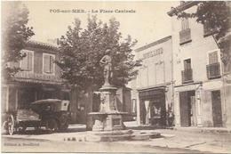 13. FOS SUR MER. LA PLACE CENTRALE - France