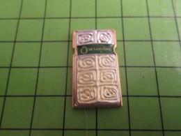 310c Pin's Pins / Beau Et Rare : Thème PARFUMS / PARFUM Ô DE LANCÔME FLACON - Perfume