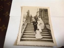 Photo Noir Et Blanc Bord Blanc Femme Homme  Enfants Mariage Saulxures Vosges Eglise - Personnes Anonymes