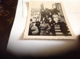 Photo Noir Et Blanc Bord Blanc 1949 Femme Homme  Enfants Mariage Saulxures Vosges Eglise - Anonymous Persons