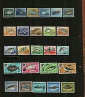 ASSORTED FISH - MNH - 25 Stamps - Fishes