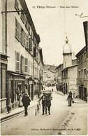 13867 - Rhone - THIZY  :  Rue Des Halles   Trés   Belle Animation   Circulée En  1921 - Thizy