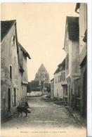Dpt 77 Provins La Rue Couverte à La Ville Haute Joli Chien Sans N° Ed Vernant - France