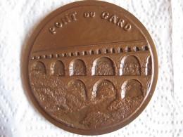 Médaille En Cuivre 1978 Le Pont Du Gard, Numérotée 30 /100 Par Margaret Harmsworth - France