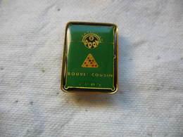 Pin's Compétition BOUVET-COUSIN. Billard 8 Pool - Billiards