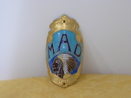 "Plaque Vélo Cyclo ""MAD"" émaillée - Advertising (Porcelain) Signs"