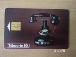 F819 PTT 24 (20)  50U GEM - Téléphones