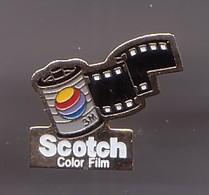Pin's Scotch Color Film Pellicule Photos  Réf 1675 - Photography