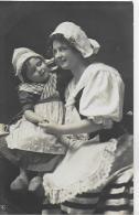 AK 0019  Mutter Und Tochter In Tracht Aus Portugal Um 1910-20 - Trachten