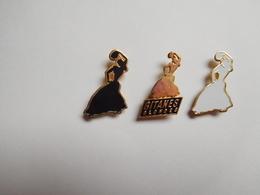 Belle Série De 3 Pin's ,  Tabac Gitanes , Tobacco - Pins