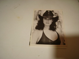 DEDRA WINGER - Photos