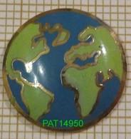 MAPPEMONDE PLANISPHERE - Pin's