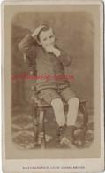 CDV Garçon Timide Suçant Son Pouce-mode Enfant-photo Léon Caron Rue Des 3 Cailloux à AMIENS - Anciennes (Av. 1900)