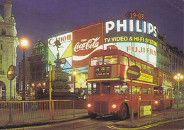 LONDON / LONDRA - Piccadilly Circus - Bus - Canon / Coca Cola / Philips / Fuji Film - 1984 - Piccadilly Circus