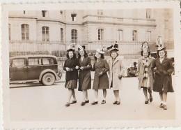15 - AURILLAC -  Photographie - Les Catherinettes, Place Du Palais De Justice - Ste-Catherine - Modistes - Aurillac
