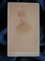 Photo CDV Disdéri à Paris - Militaire Portrait D'un Capitaine D'infanterie, Henri Ferlus En 1871 L389D - Old (before 1900)