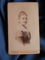 Photo CDV  Ludovic à Narbonne  Jeune Femme (Hélène Ferlus Née Renault) Circa 1890 - L389D - Old (before 1900)