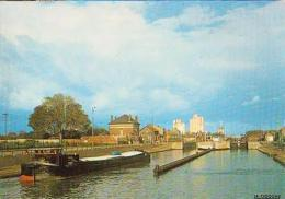 Aisne        H52        CHAUNY.Les écluses : Le Canal De St Quentin - Chauny