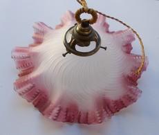 - Ancienne Suspension Abat-jour En Verre Soufflé Moulé Teinté Coloré Rose - - Lamps