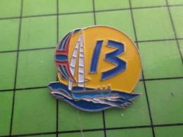 818b Pin's Pins / Rare Et De Belle Qualité / THEME SPORTS / VOILE DEPARTEMENT 13 C'est Vrai Que Le Treize Est Gay ? - Sailing, Yachting