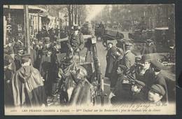 +++ CPA - LES FEMMES COCHER à PARIS - Métier - Mme DUFAUT Sur Les Boulevards...  // - Métiers