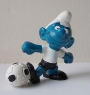- SCHTROUMPF - Schtroumpf Football - Peyo 1973 - Schleich - - Smurfs