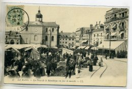 72-02 LE MANS Un Jour De Marché Place De La République Vendeurs De Puces Au Bord 1906   /D10-2016 - Le Mans