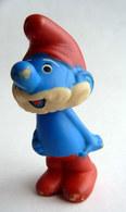 FIGURINE GRAND SCHTROUMPF - SMURF - PIFUTOS PETIT POUET 1984 - Smurfs