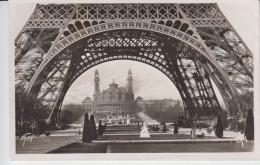 Paris Uncirculated Postcard (ask For Verso / Demander Le Verso) - France