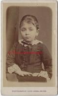 CDV Beau Portrait D'enfant-fillette-photo Léon Caron Rue Des 3 Cailloux AMIENS - Fotos