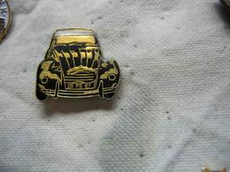 Pin's 2CV Citroen De Couleur Noire Immatriculée 26 PB 87 - Citroën