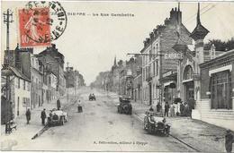 76 DIEPPE . La Rue Gambetta Très Animée , Vieilles Voitures , édit : ? , écrite En 1912 , état Extra - Dieppe