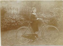 Fille Et Vélo  Photo Originale  11/8 Cm - Objects