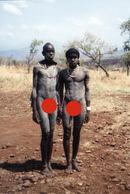 F15 // PHOTOGRAPHIE ETHNIQUE AFRIQUE ETHIOPIE TRIBU SURMA HOMME NU ETHNIE PEUPLE TRIBAL ETHNIE AFRICA TRIBE NUDE MEN - Völker & Typen