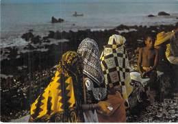 GRANDE COMORE : Femmes Voilées - CPSM GF - AFRIQUE Noire Black Africa - Comoros