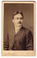 Fotografie Ed. Assmann, Stettin, Portrait Junger Herr Mit Zeitgenöss. Frisur - Anonyme Personen